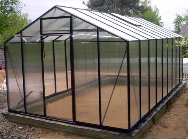 What is Polycarbonate Used For?